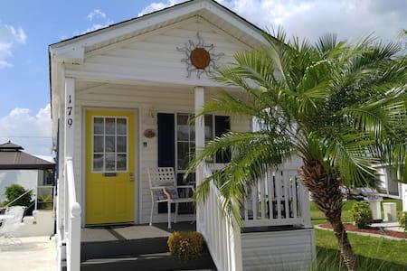 Resort Home - completely furnished - Пунта-Горда - Дом на колесах