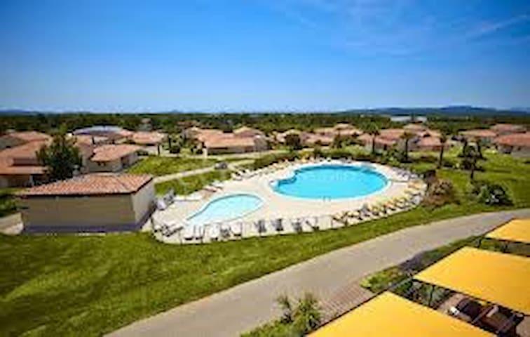 Villa 3P dans Parc de verdure - Signes - Betjent leilighet