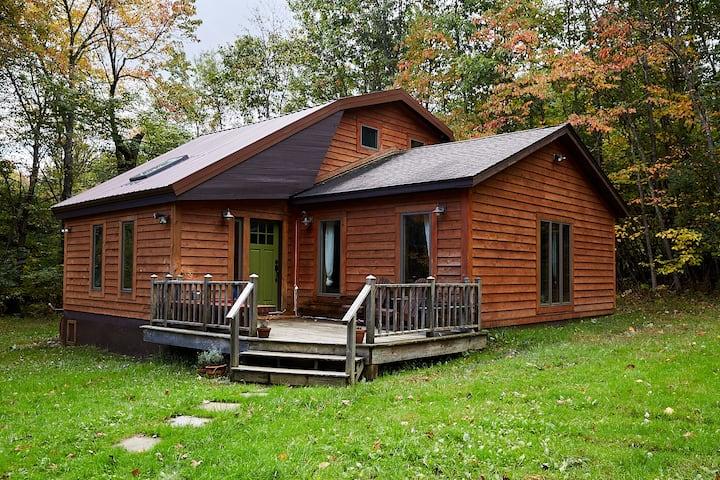 SundownHill: Cozy, Mid Century styled w/ woodstove