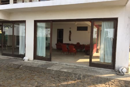 House by the beach - Alibag - Kolgaon