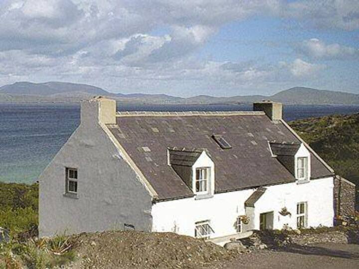 Strand Cottage (YYN)