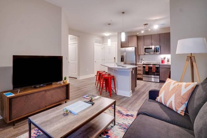 1BD/1BA Smart Designer Apartment - Pool, Gym, Wifi