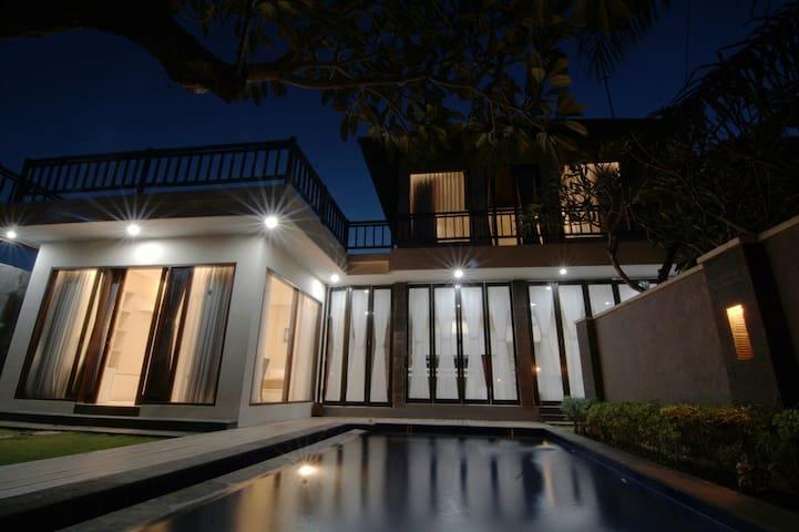 Villa Kunti - South Kuta - Haus
