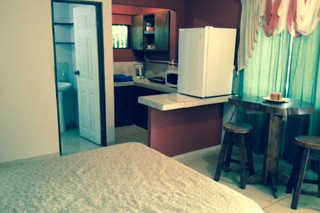 Yucatan Apartment Safe, Clean and Comfortable - Lakás