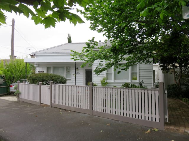 Fitzroy Bed and Breakfast - Fitzroy North - Bed & Breakfast