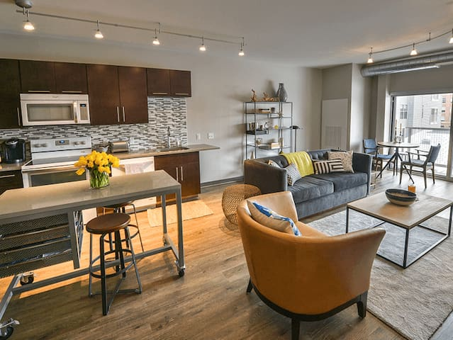 Comforts of home | 2BR in Pittsburgh