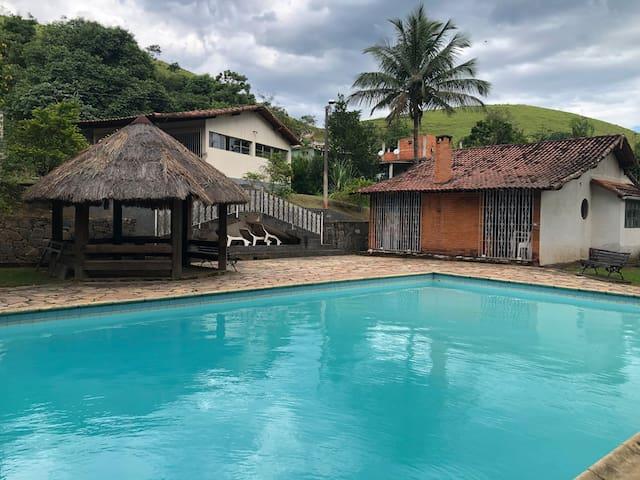 Sítio Inteiro 7 quartos (até 20 pessoas)!!