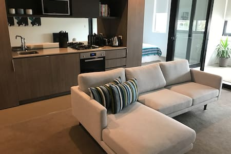 Modern Apartment 5 minutes from CBD - Camperdown - 公寓