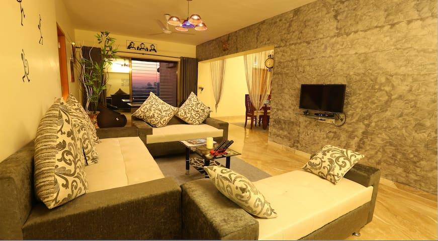 4 BHK service apartment in kandivali east Mumbai