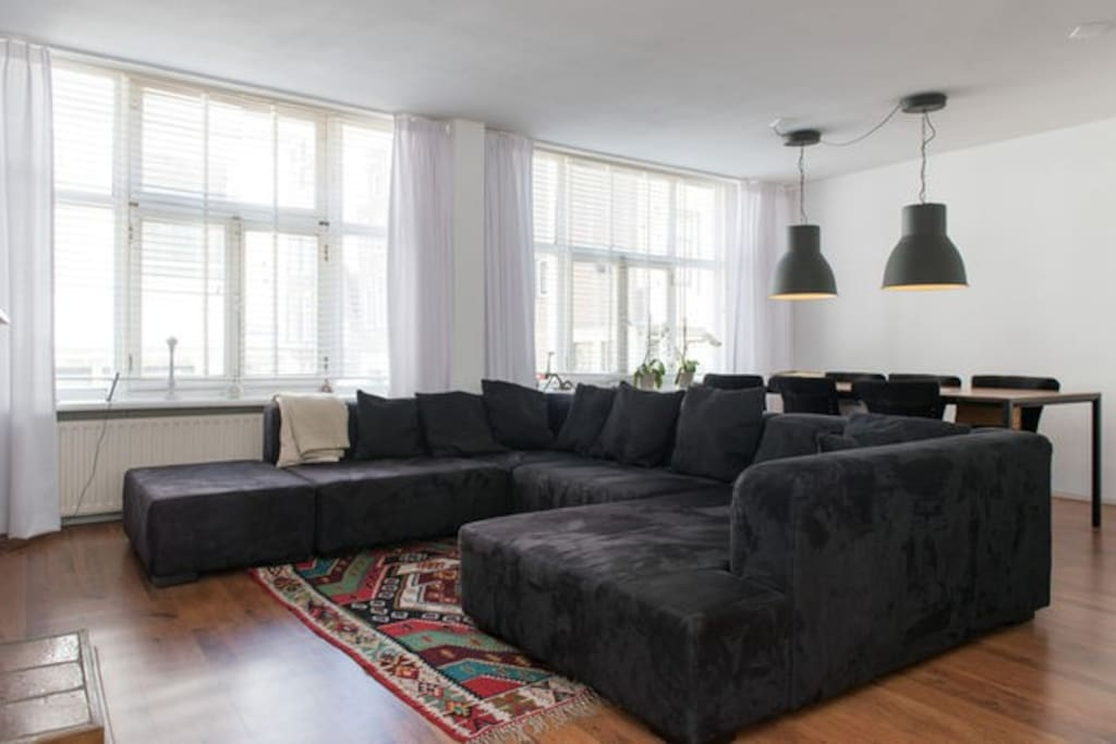 Bright livingroom with a comfortable couch