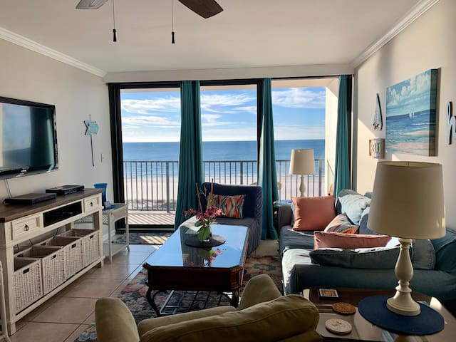Beachfront 2/2 with Flexible Cancellation Policy