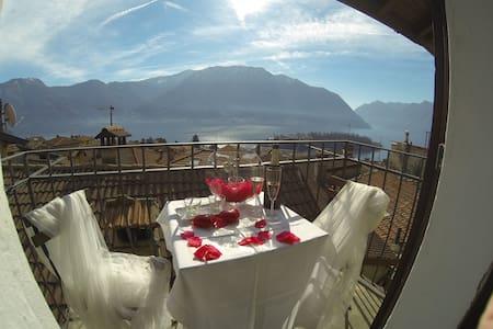 la casa di zia Lella - Lago di Como - Ossuccio - Maison