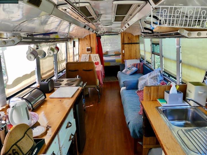 Glamping - 4 FUN Glamping Bus