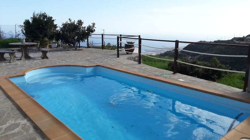 OPEN SPACE VILLA + HEATED POOL + WIFI & SEA VIEWS - Fasnia - Vila
