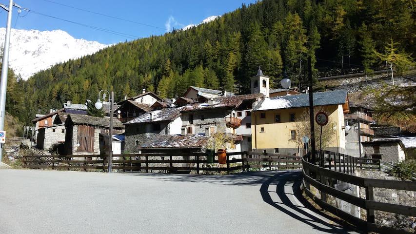 appartamento in montagna 10 posti - Saint-rhemy-en-bosses - Byt