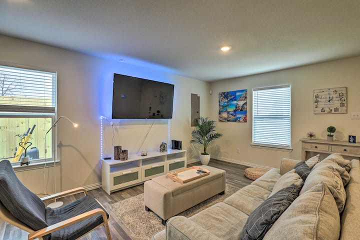 NEW! Fort Worth Retreat with Private Quarter Acre!