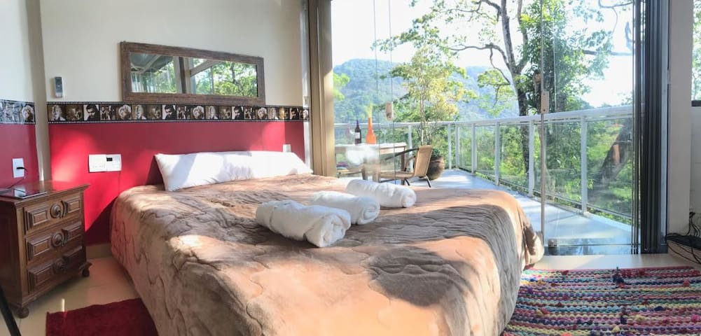 Suite & unforgettable view of the Atlantic forest