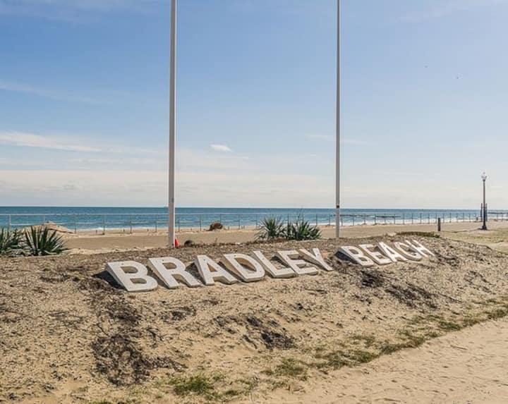 Bradley Beach_2 blocks to the Ocean