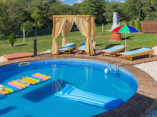Bungalow Resort Jelovci for 6 persons