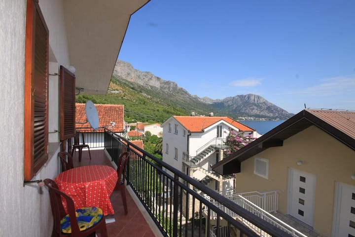 Studio flat with balcony and sea view Podaca, Makarska (AS-6902-a)