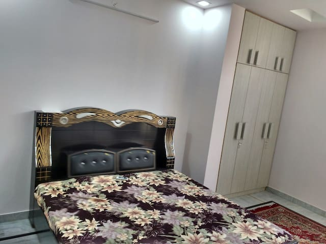 AC Room with parking area - Jaipur - Huis