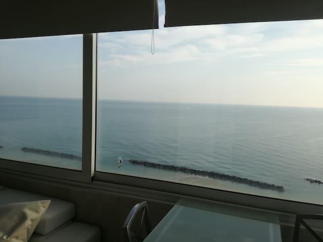 Fronte mare, vista spettacolare - Montesilvano - Apartamento