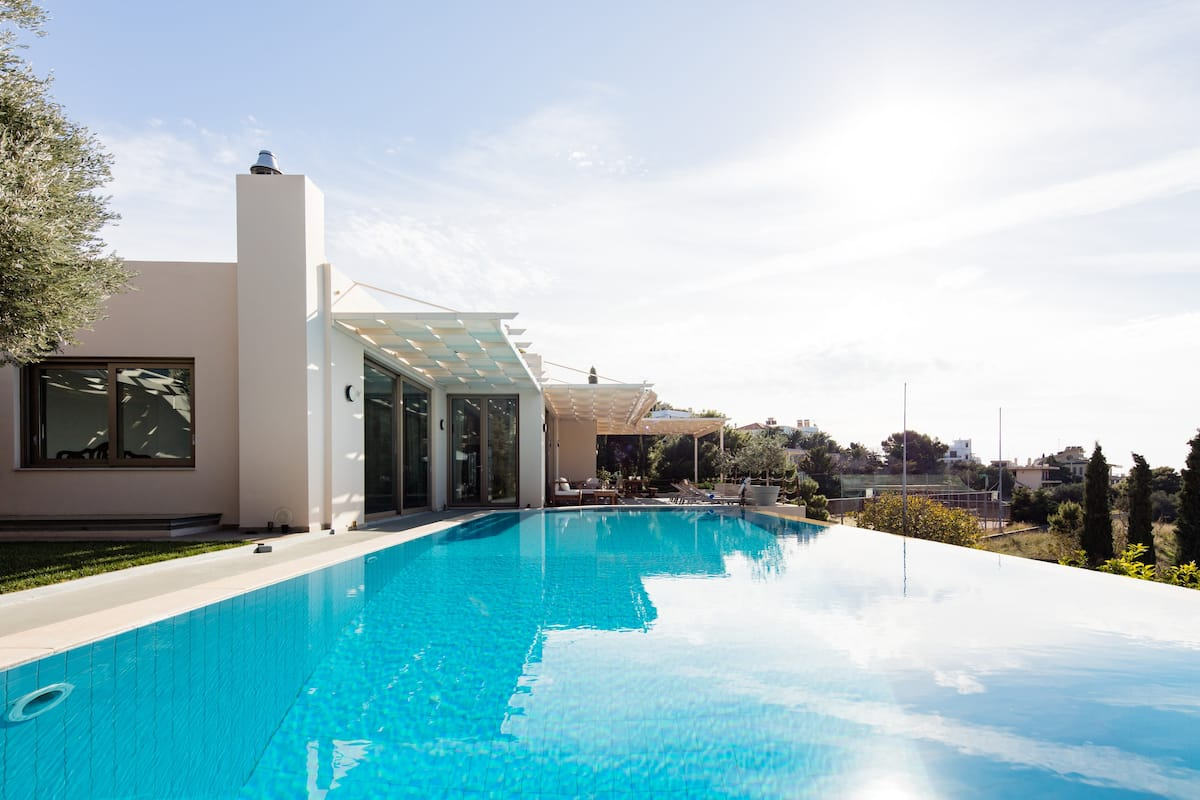 Blue Coast Villa / Elegant Villa on the Athenian Riviera