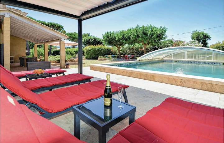 Semi-Detached with 4 bedrooms on 135m² in Flaux