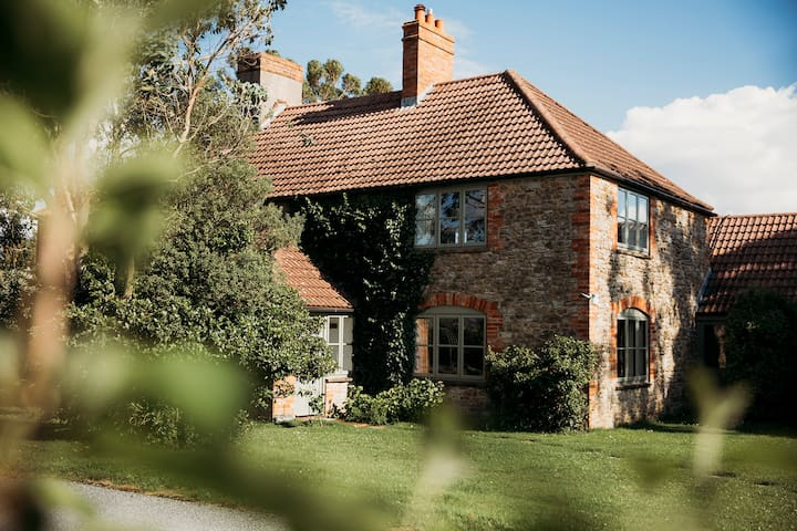 Large cottage with AGA and stunning views