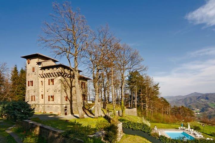 Charme in dimora storica - Firenzuola - Castle