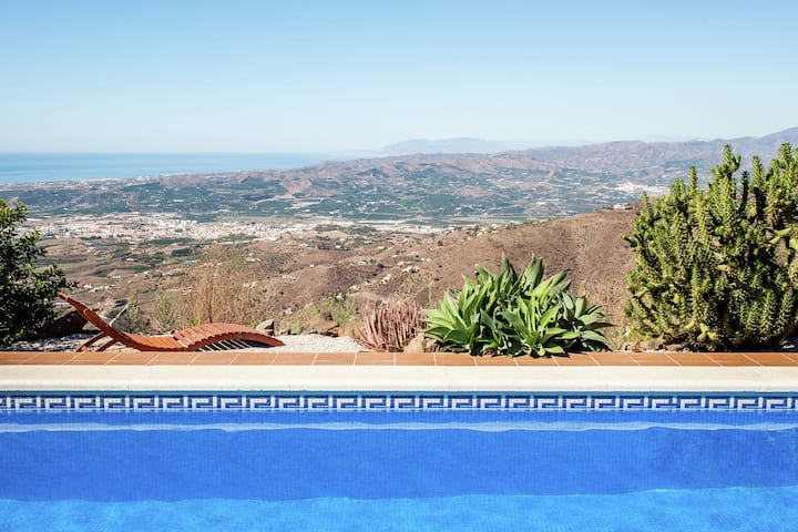 Villa in Arenas with Private Pool and Breathtaking Views