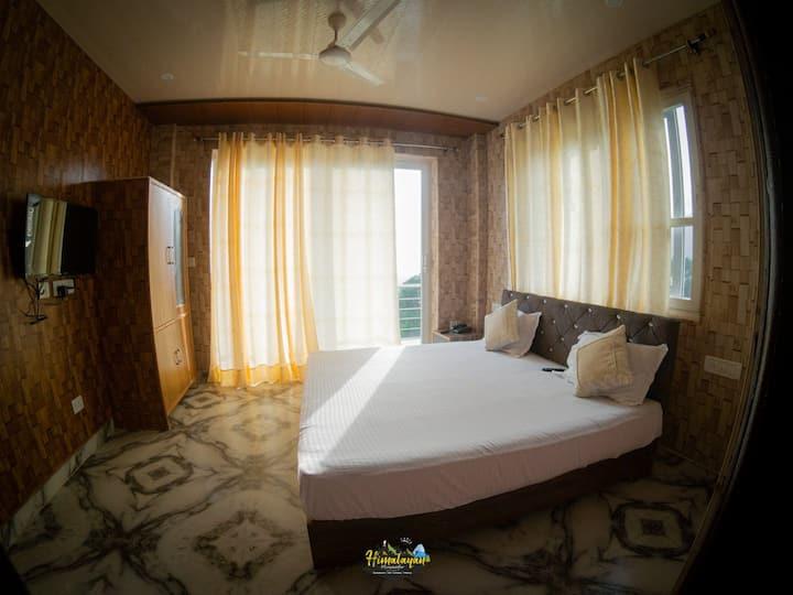 Himalayan Musaafir Guest House and Restaurant  R 1