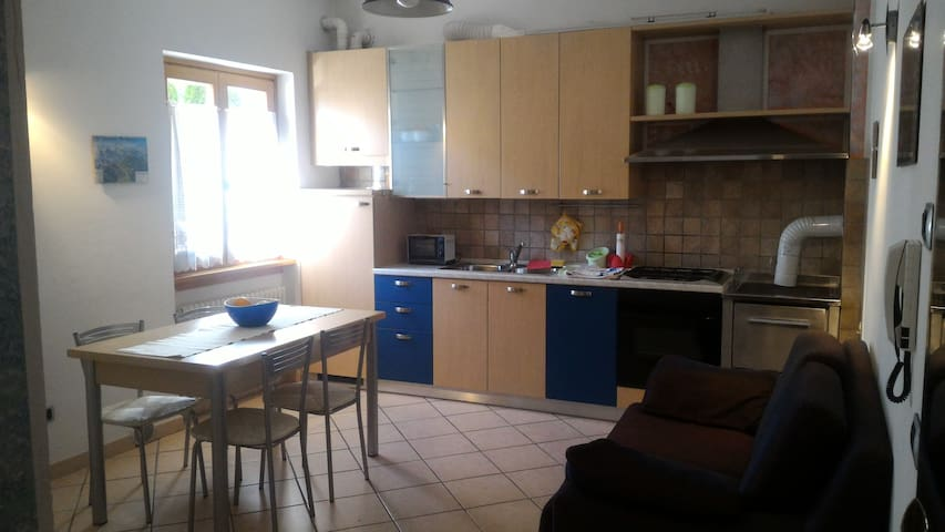 small apartment ideal for two - Caderzone - Daire