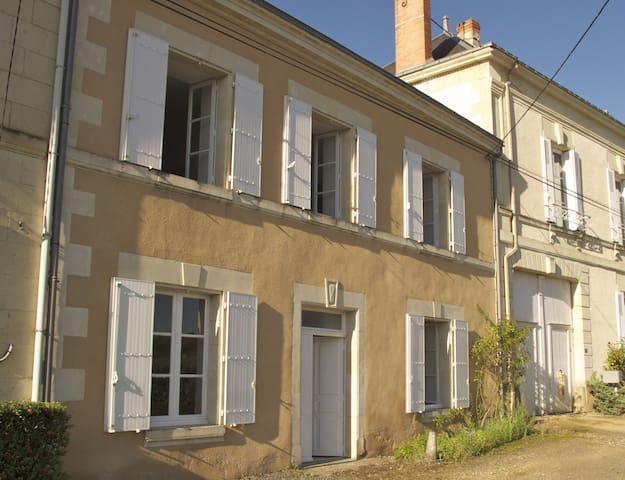 Two bedroom House in the Loire - Pas-de-Jeu - House