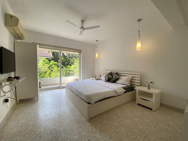 Our En-Suite second Bedroom with Balcony