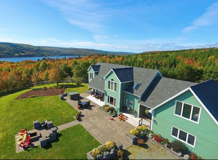 Luxury Nova Scotia Escape (100% Privacy)