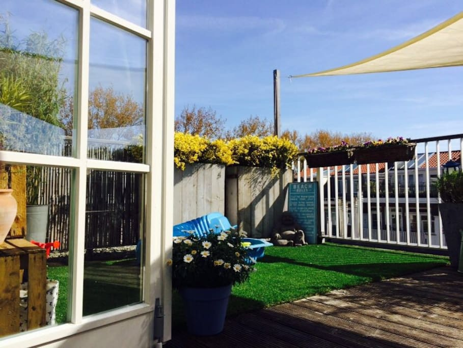 Roof top terras with French doors to the living room
