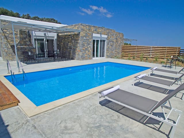 Kalostous 1,Private Pool,Great location & Views