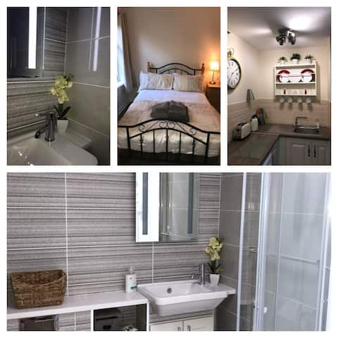 2a Trinity Apartments - 1-Bedroom Apt