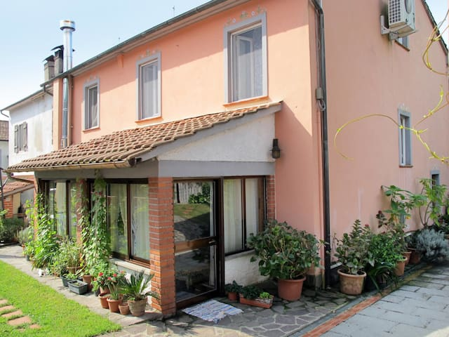 Holiday House Agrifoglio in Lucca for 5 persons