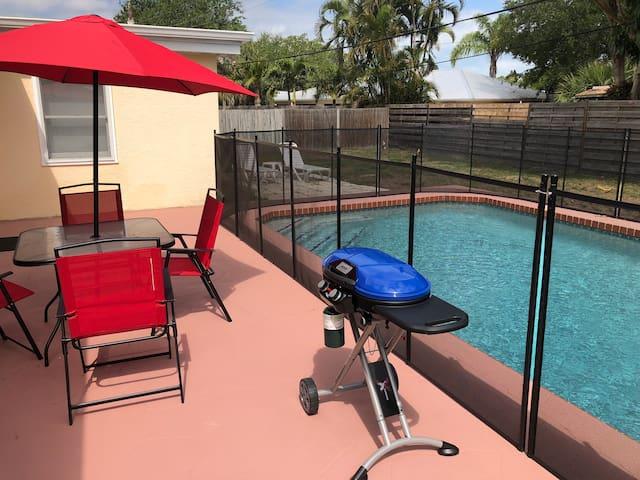 Family Beach Pool House -Heated Pool