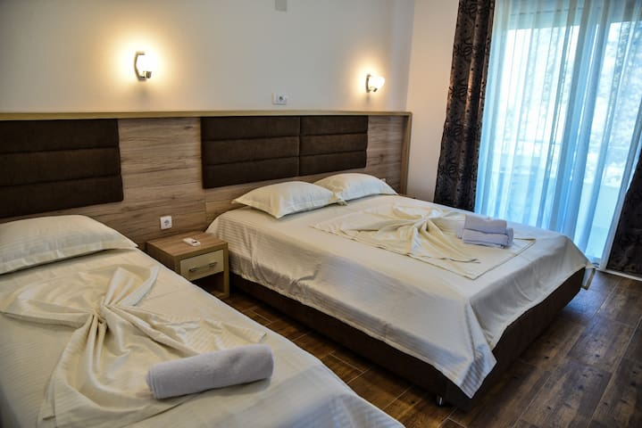 Deluxe  single bed&double bed