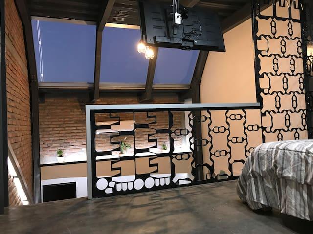 Magenta Loft