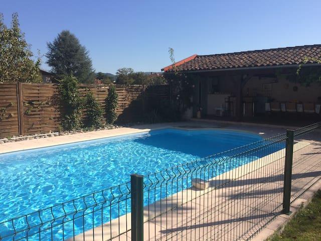 Accès piscine partagée avec propriétaire