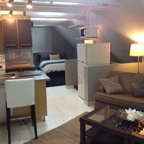 Cozy Modern Loft - Hamilton - Apartamento