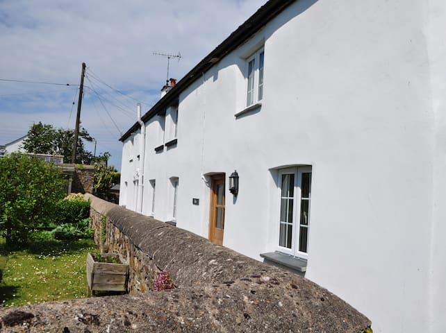 Lilac Cornish Cottage