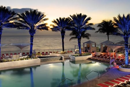 Hilton Beach Resort Cama King Suite c/Vista al Mar - Fort Lauderdale - Apartamento