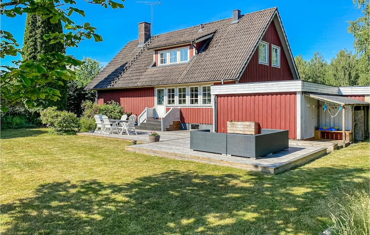 Nice home in Vittaryd with WiFi and 5 Bedrooms