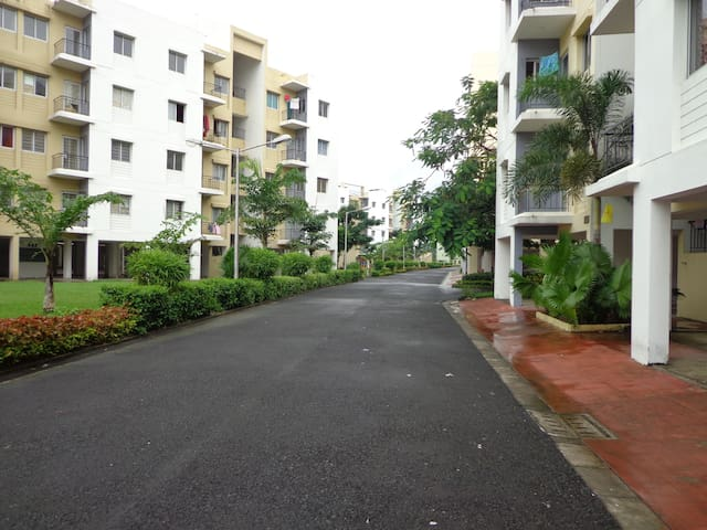 Apartmen with views of the beautiful landscaping - New Town