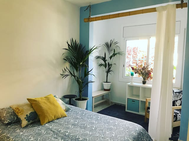 BEAUTIFUL DOBLE ROOM NEAR BARCELONA